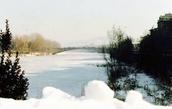 Arno ghiacciato vicino a Firenze.