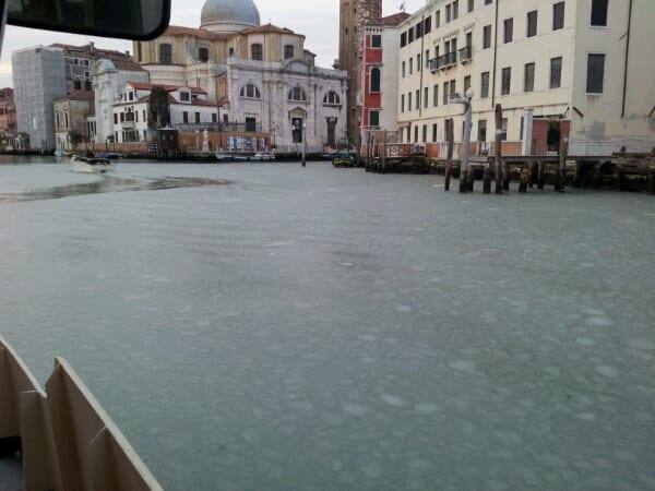 Febbraio 2012, laguna veneta gelata.