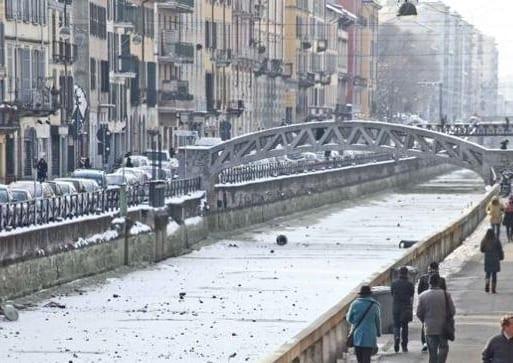 Febbraio 2012, navigli di Milano gelati.